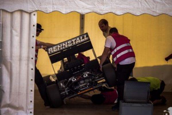 http://rennstall-esslingen.de/Version3/wp-content/uploads/2019/08/20160811-IMG_6365_Scrutineering_006-600x400.jpg