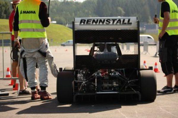 http://rennstall-esslingen.de/Version3/wp-content/uploads/2019/08/IMG_5748-600x400.jpg